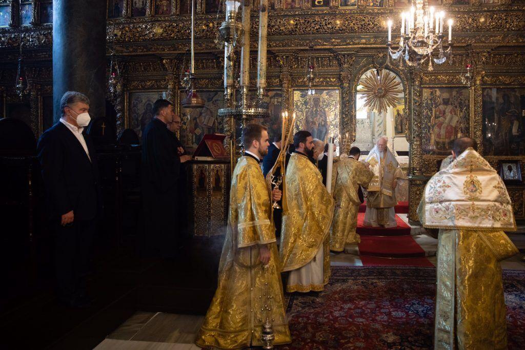 Порошенко на литургии