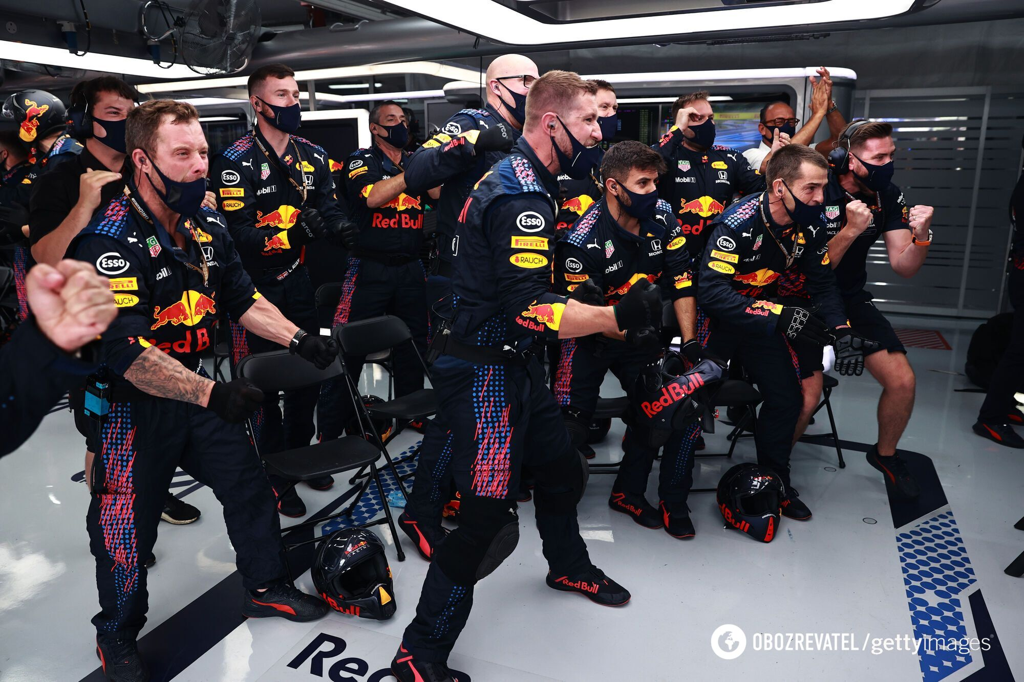 Механики Red Bull