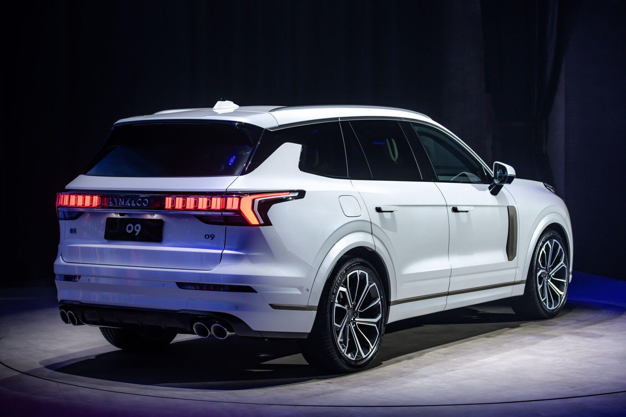 У китайских дилеров автомобиль ожидается в четвертом квартале нынешнего года