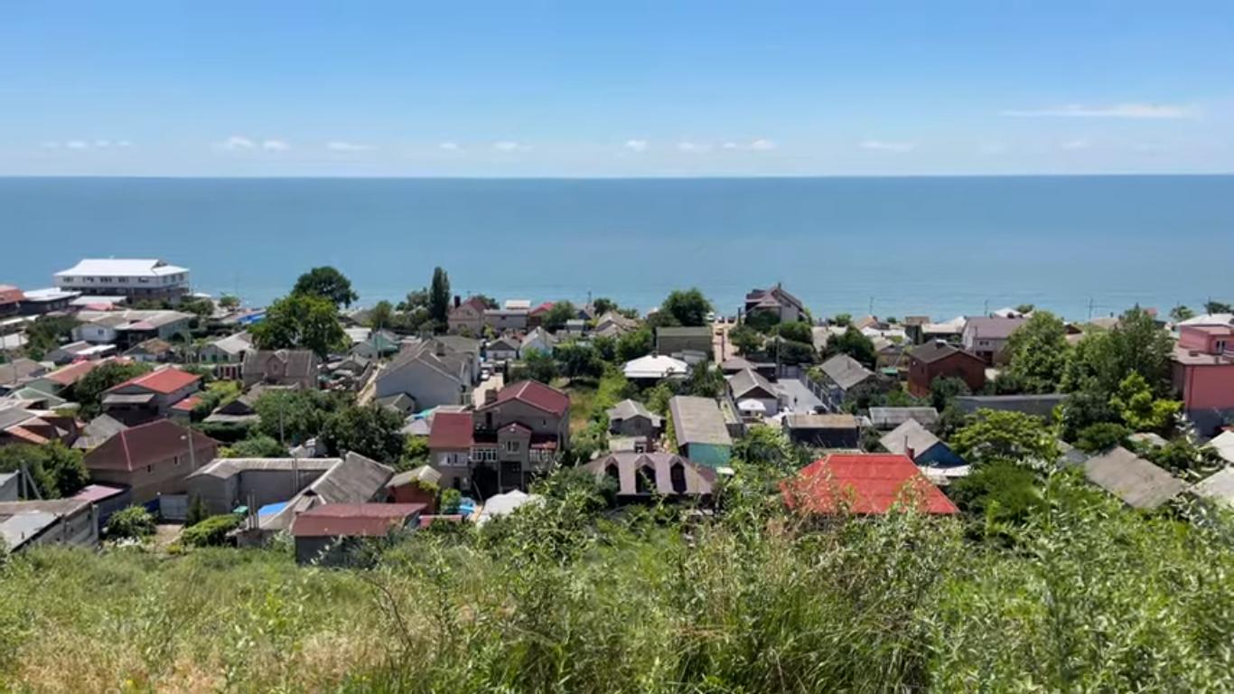Будинки біля моря, які можна орендувати у Бердянську