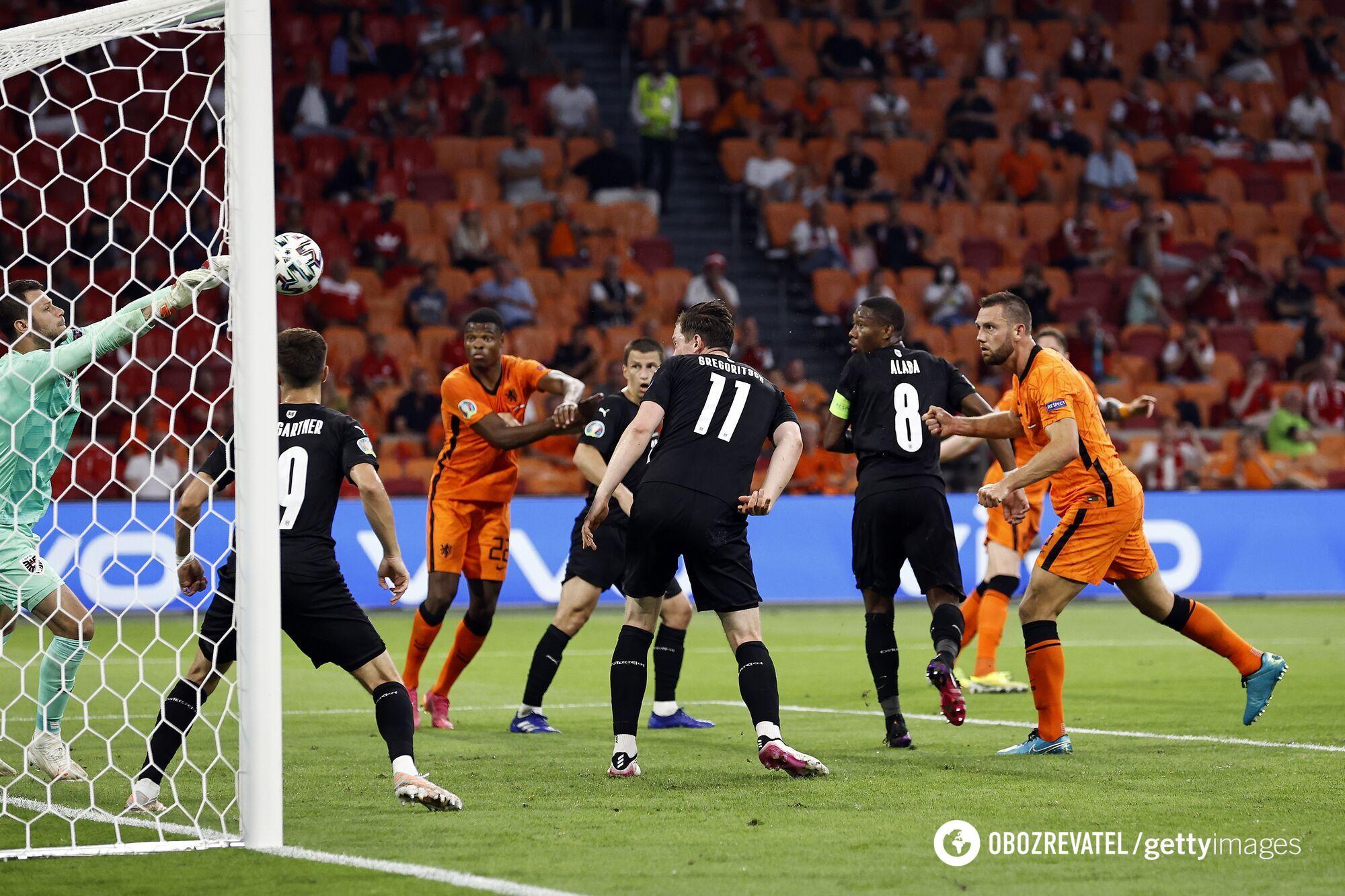 Австрийцы в матче с Нидерландами.