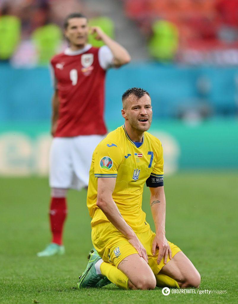 Андрей Ярмоленко в матче с Австрией.