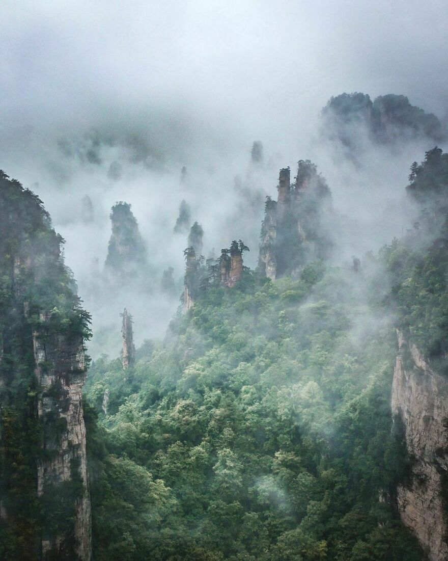 Национальный лесопарк Чжанцзяцзе в Китае.