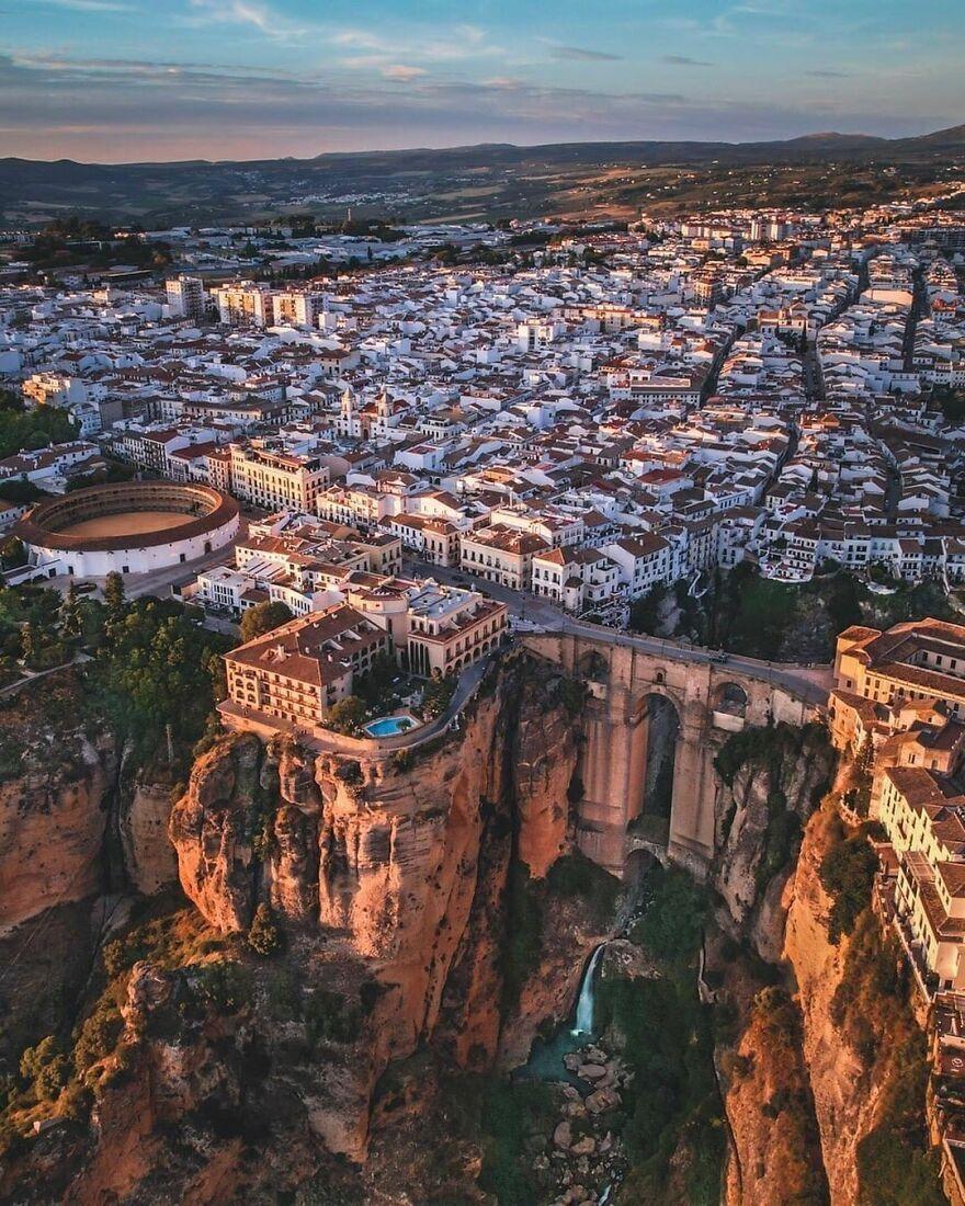 Город Ронда в области Андалусия – Испания.