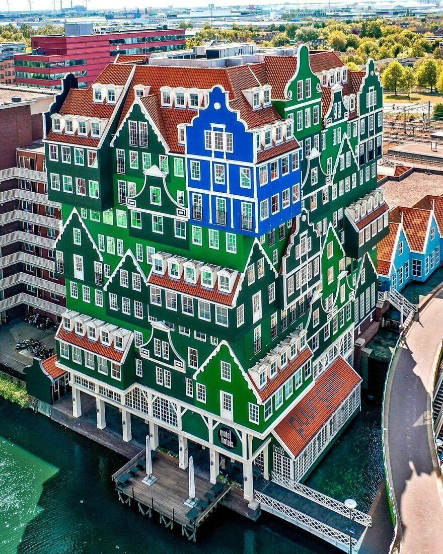 """Четырехзвездочный отель """"Inntel"""" расположен в центре города Зандам – Нидерланды."""