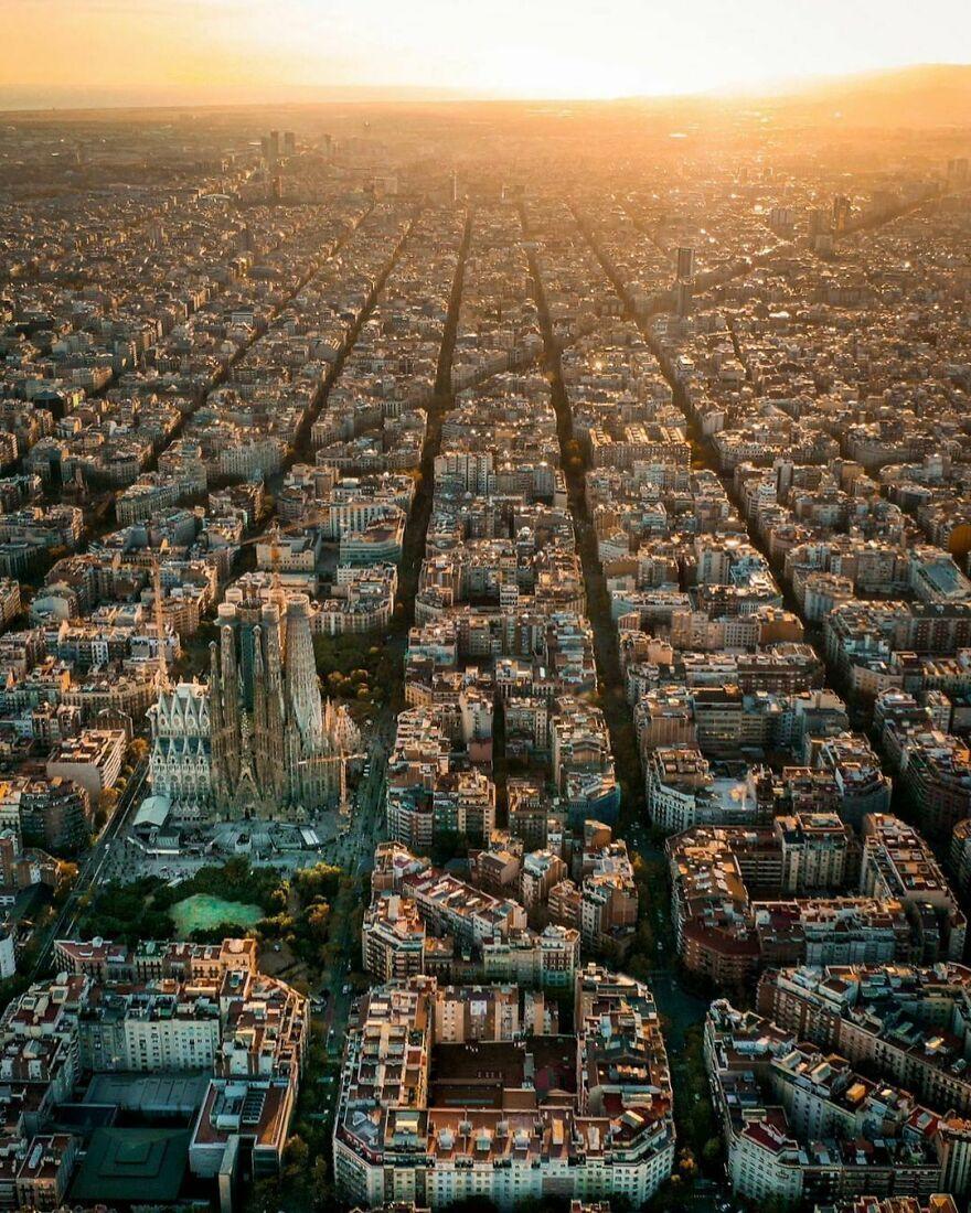Закат в Барселоне – Испания.