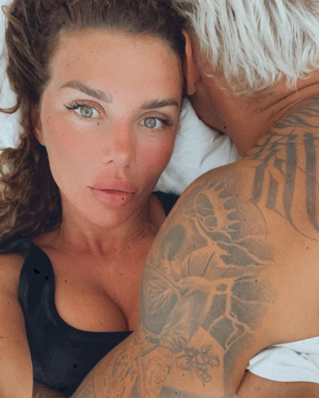 Анна Седокова со своим супругом Янисом Тиммой