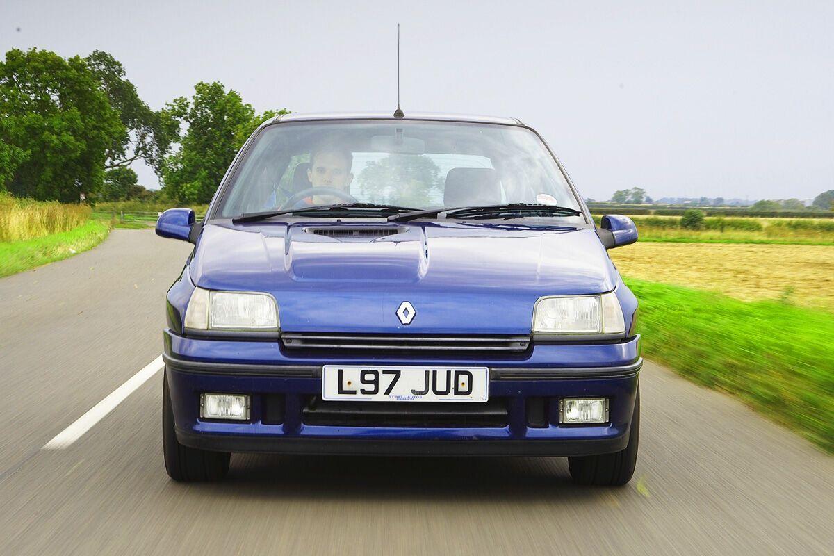 Renault Clio Williams считается одним из лучших хэтчбеков