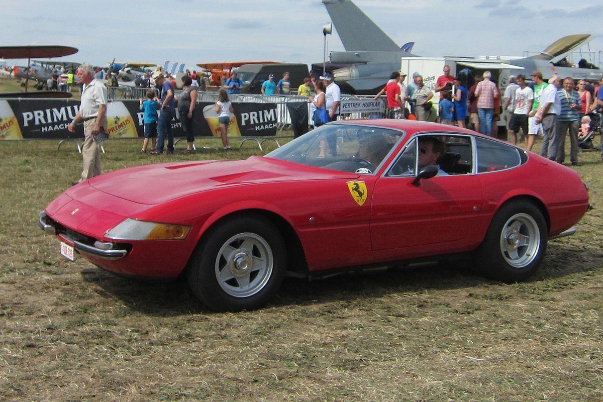 """Ferrari 365 GTB 4 """"Daytona"""" превзошла в скорости Lamborghini Miura"""