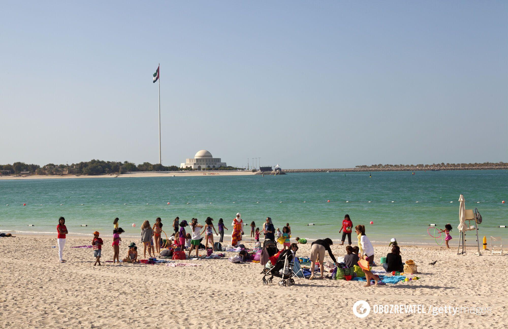 В ОАЕ туристам пропонують безкоштовно пройти вакцинацію.
