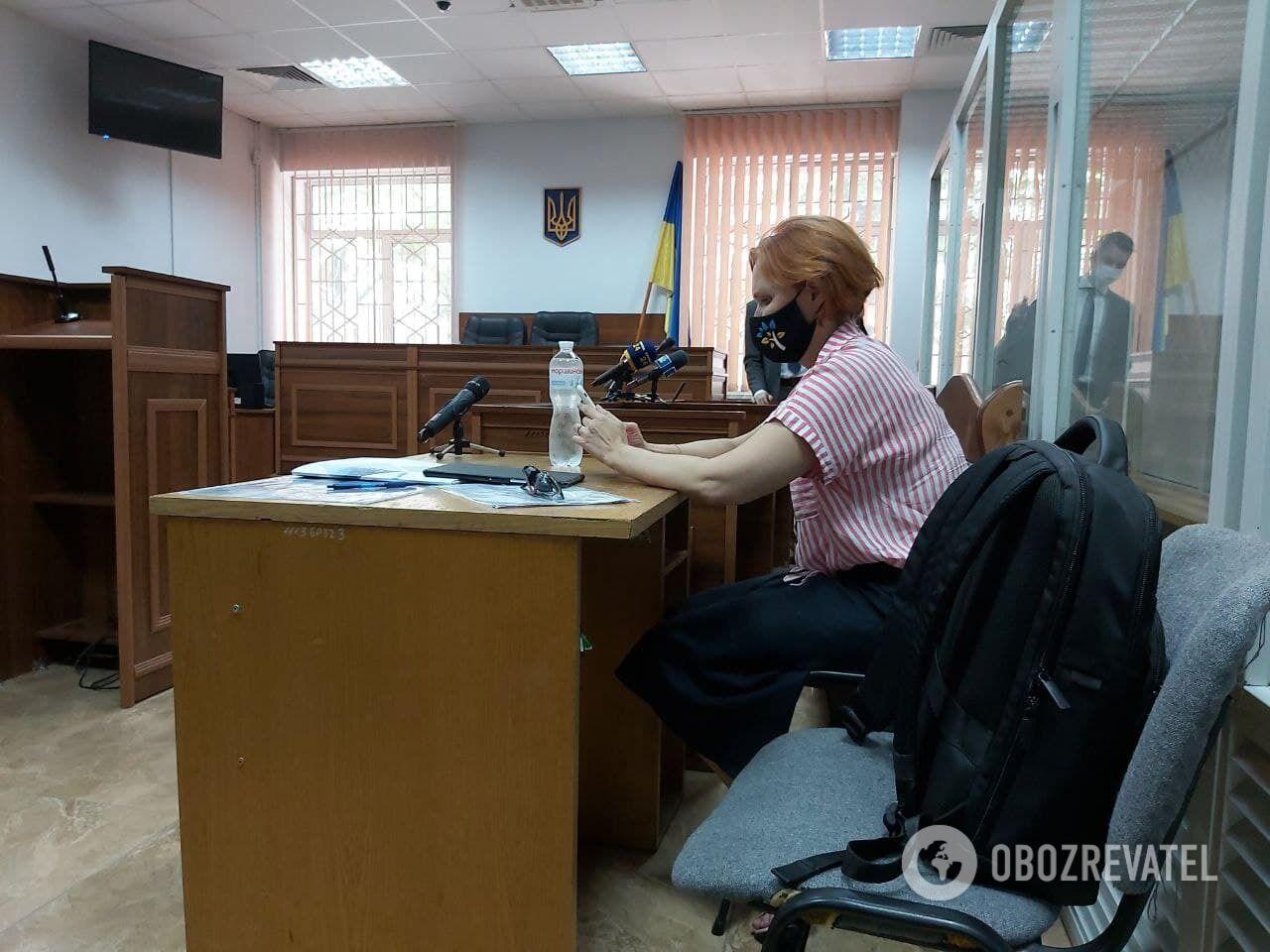 Юлия Кузьменко появилась в зале суда.