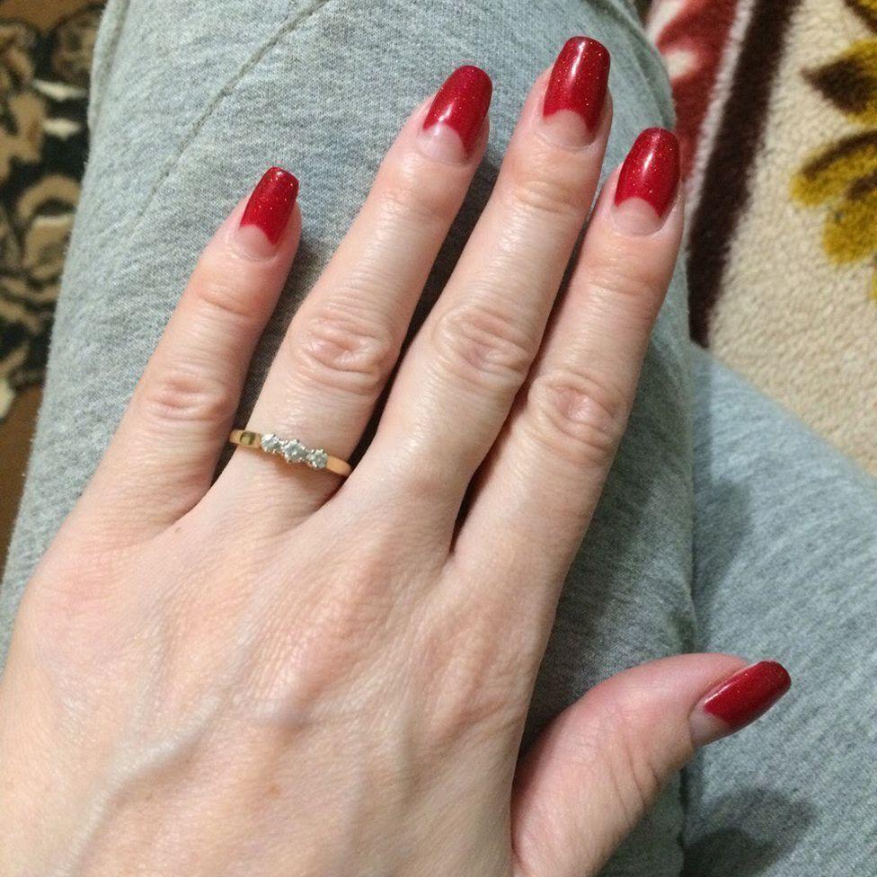 Кольцо Ирины, подаренное Джеймсом на помолвку