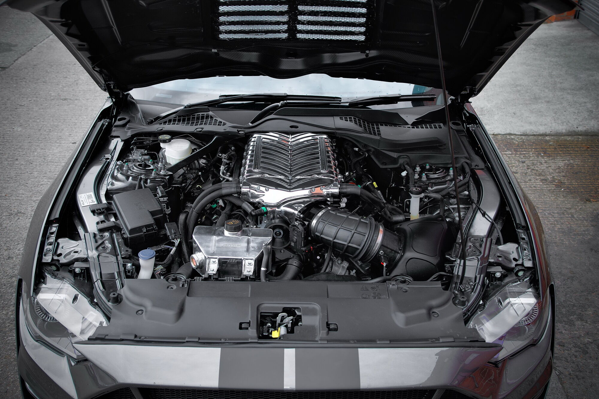 Модель CS850GT отримала форсований мотор, який розвиває 859 к.с.