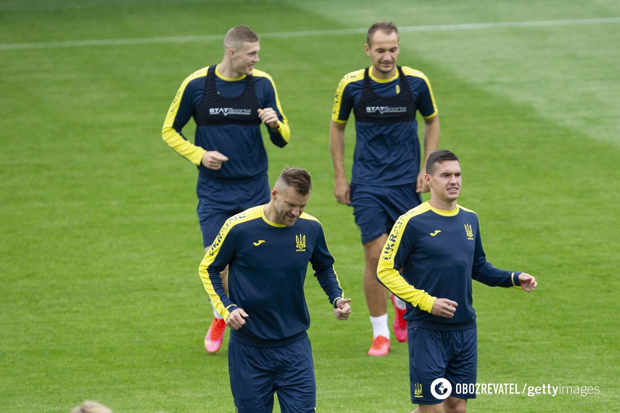 Евгений Макаренко на тренировке сборной Украины.