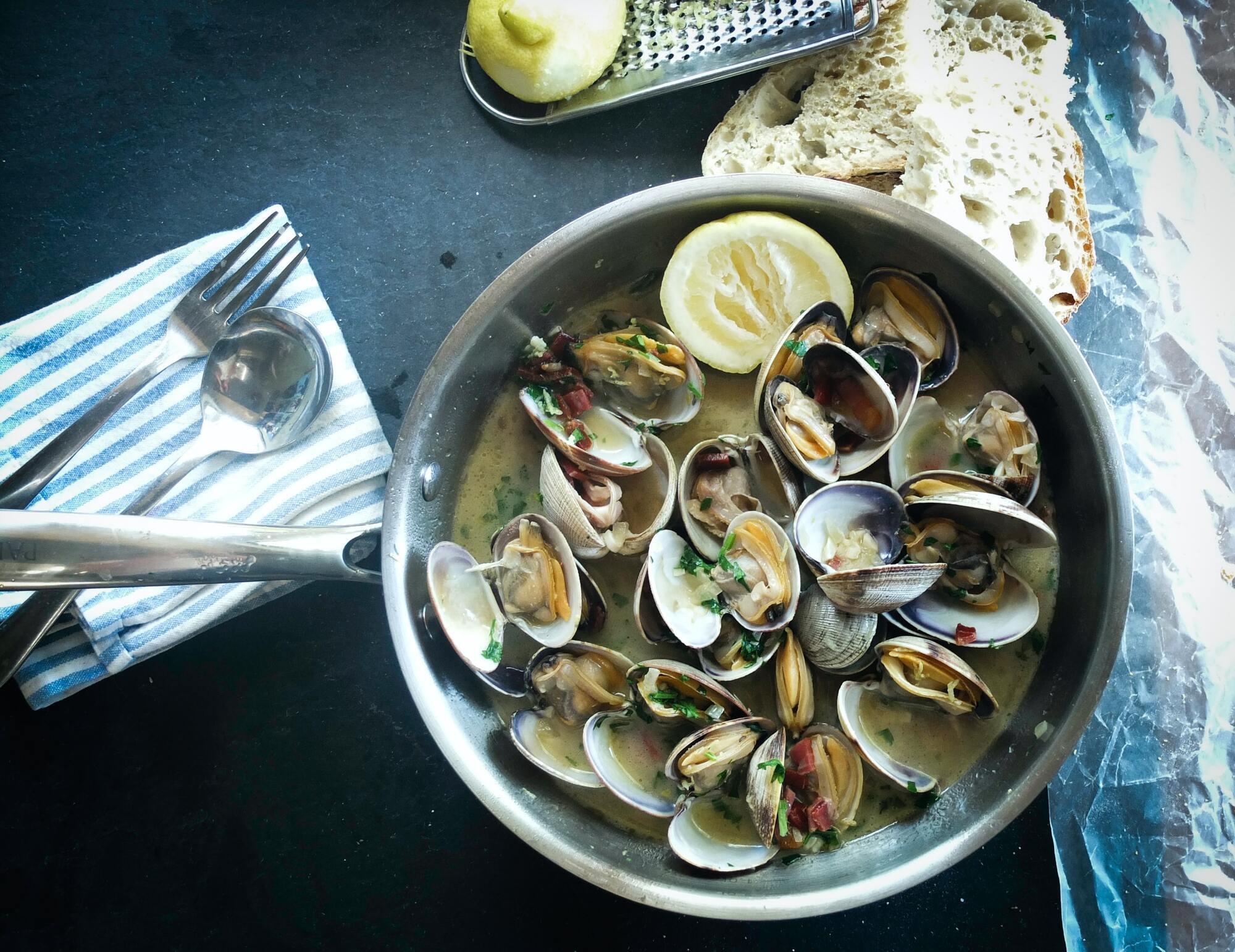 Отравления морепродуктами наиболее опасны
