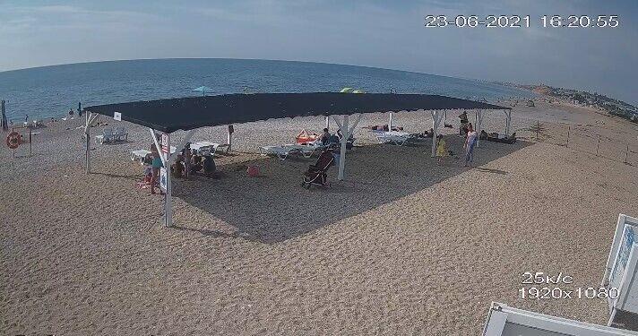 Людей на пляжах Криму майже немає