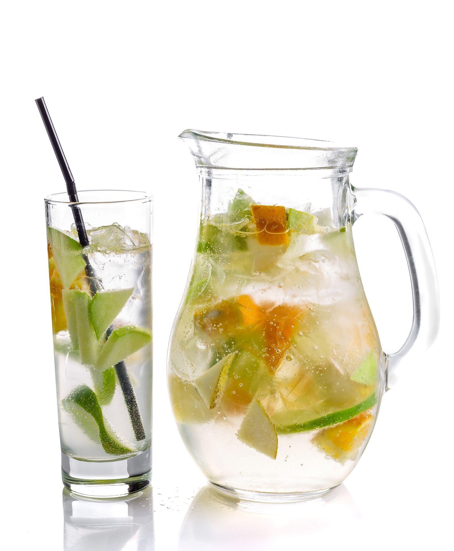 Охолоджувальний чай із лаймом та імбиром