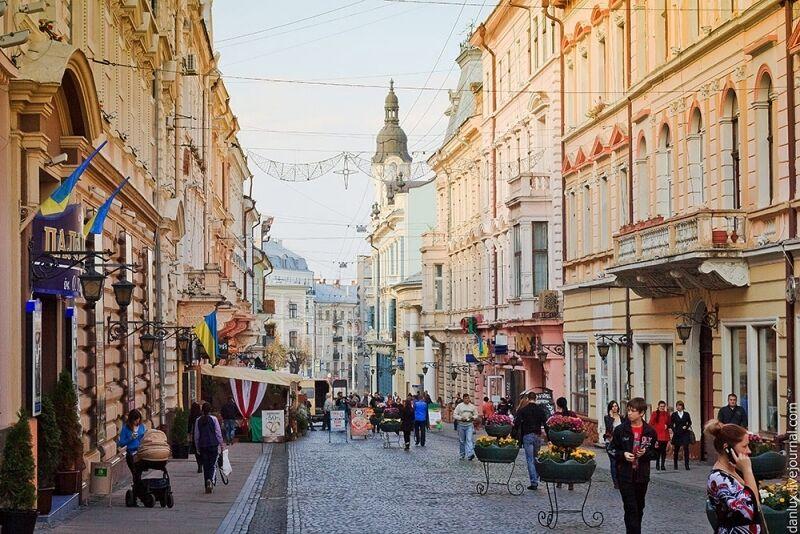 Куди можна поїхати українцям після вакцинації.