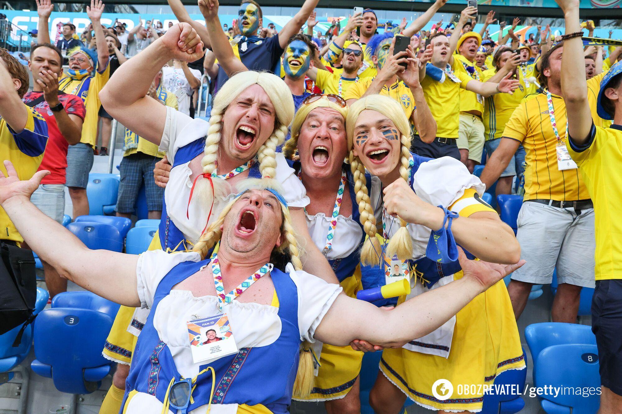 Фанаты сборной Швеции.