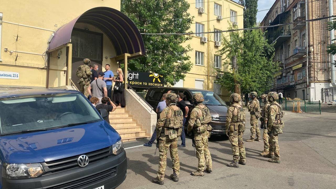 Обшуки проводили в офісі партії ОПЗЖ й у домівках соратників нардепа