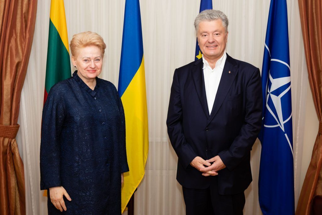 Порошенко выразил благодарность литовскому лидеру за поддержку Украины