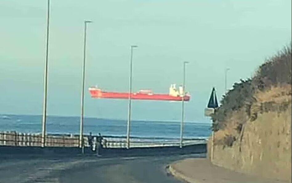 У березні в результаті цього явища біля берегів Великобританії в графстві Корнуолл, Девоні і Абердіншир була помічена серія човнів.