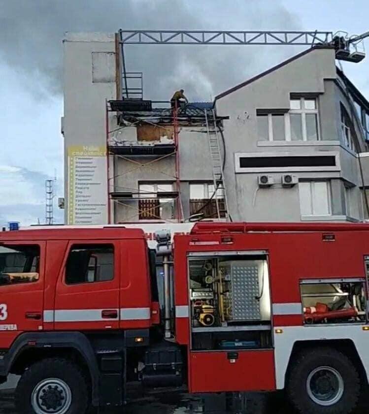 Рятувальники гасили вогонь
