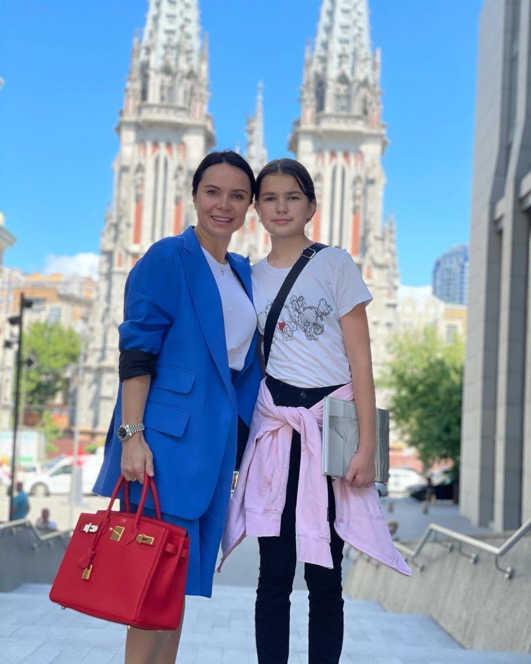 Лилия Подкопаева с дочерью Каролиной