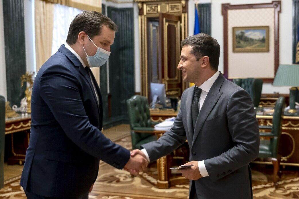 Глава української держави вручив Живицькому службове посвідчення