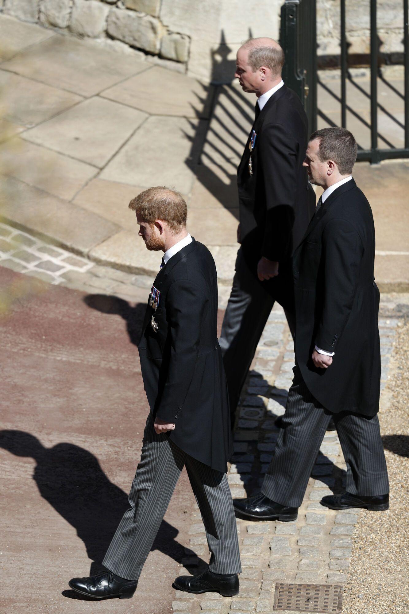 Принц Вільям і принц Гаррі на похороні принца Філіпа