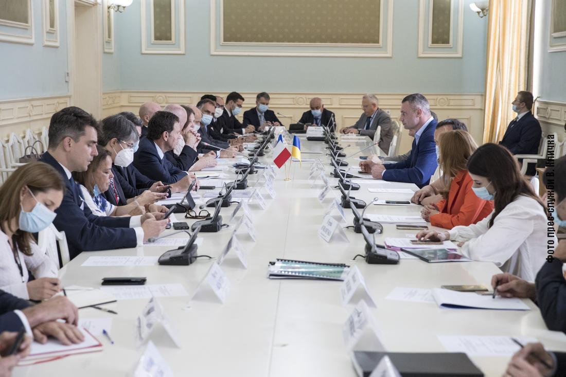 Кличко зустрівся з делегацією Руху підприємств Франції