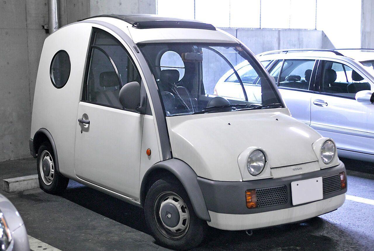 Nissan S Cargo был очень компактный и в нем нельзя было перевозить груз