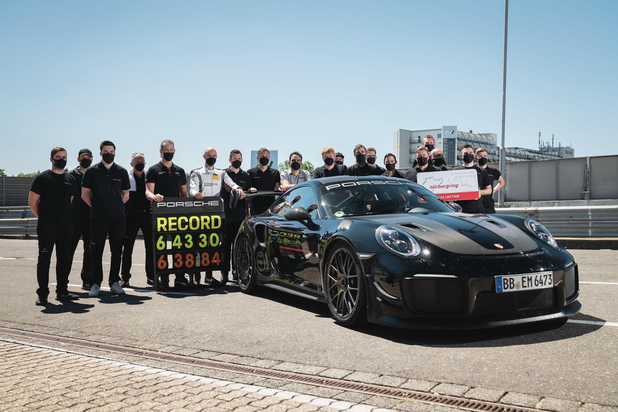 Команда Porsche и Manthey-Racing