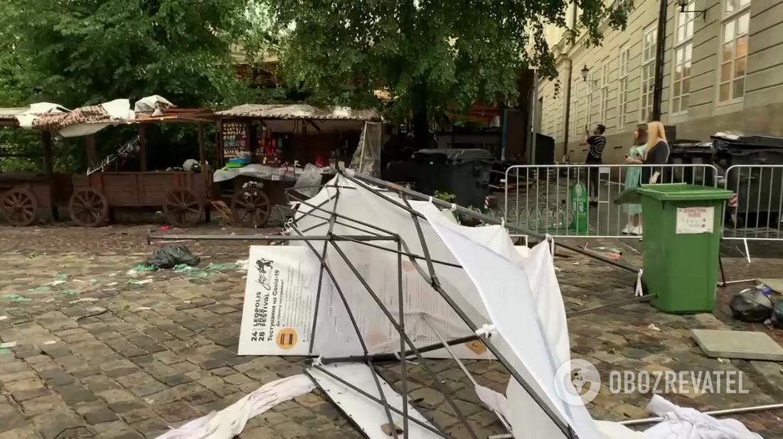Разрушения на рынке во Львове.