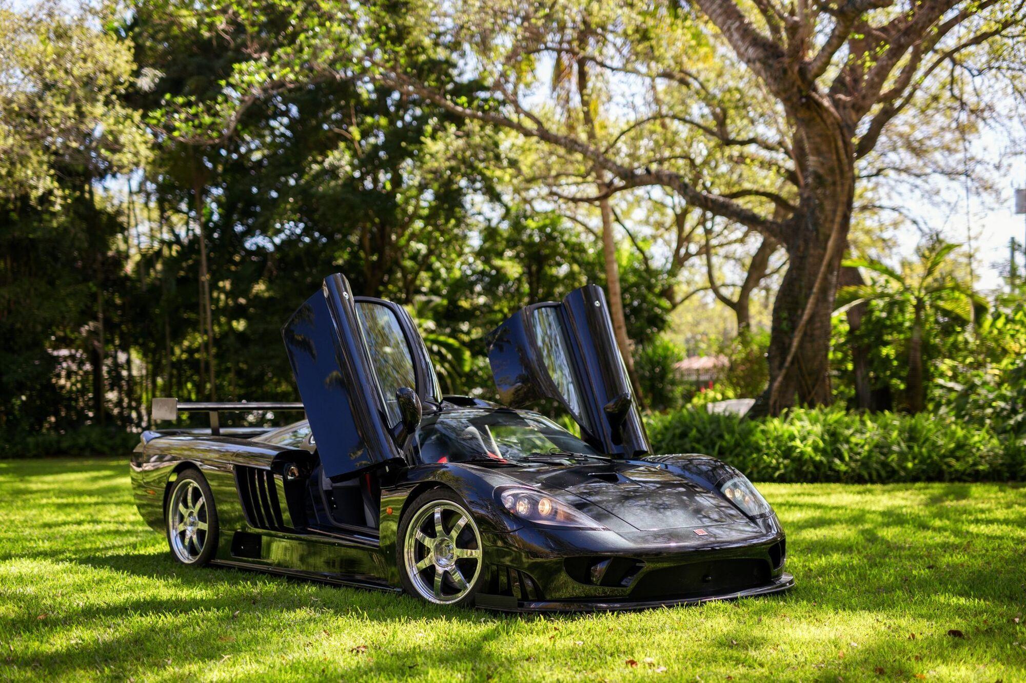 У 2000 році компанія Saleen здивувала світову громадськість суперкаром Saleen S7