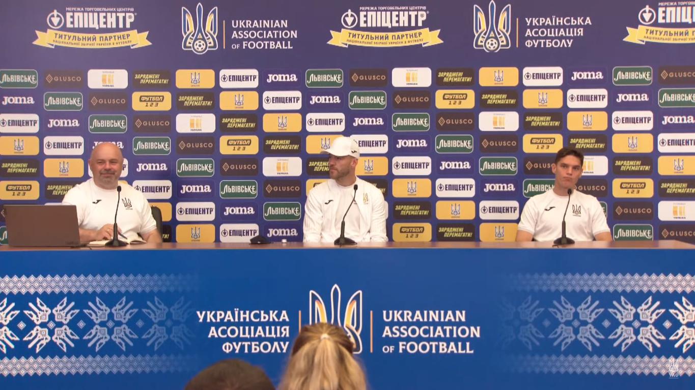 Андрей Ярмоленко на пресс-конференции.