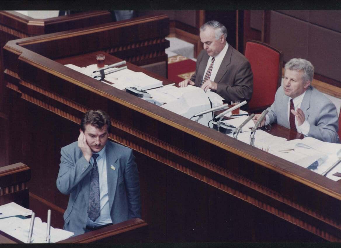 Для большинства депутатов эта ночь стала главным событием в их жизни, считает Лукацкий