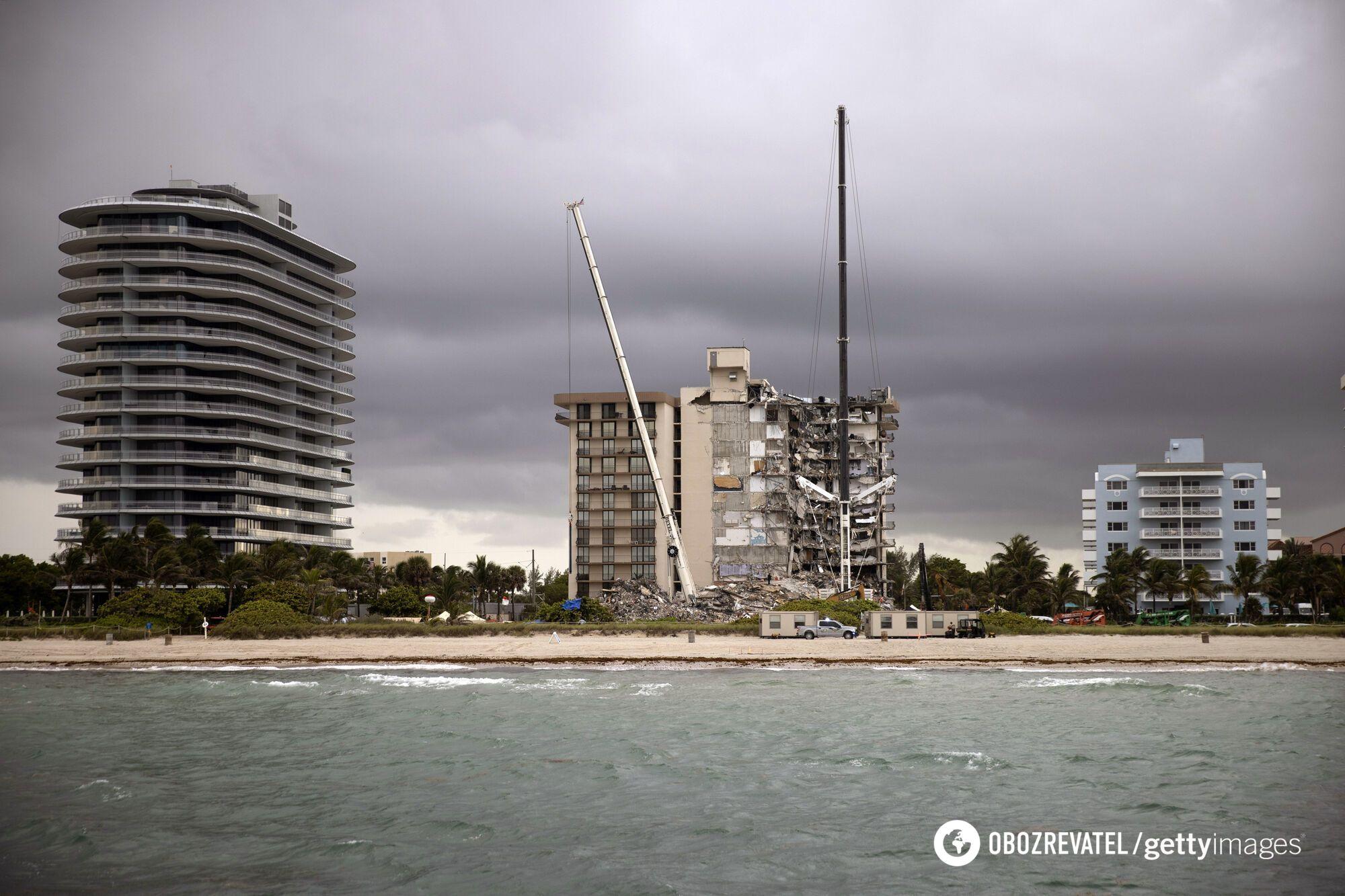 Вид на обрушенное здание