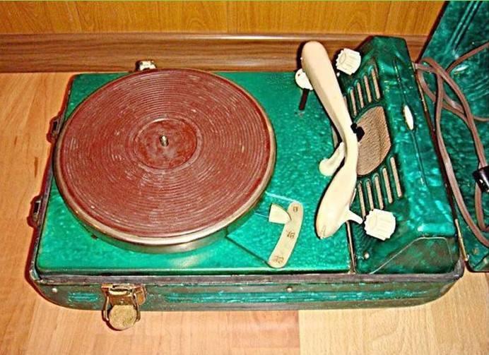 Прибор, на котором в СССР слушали музыку.