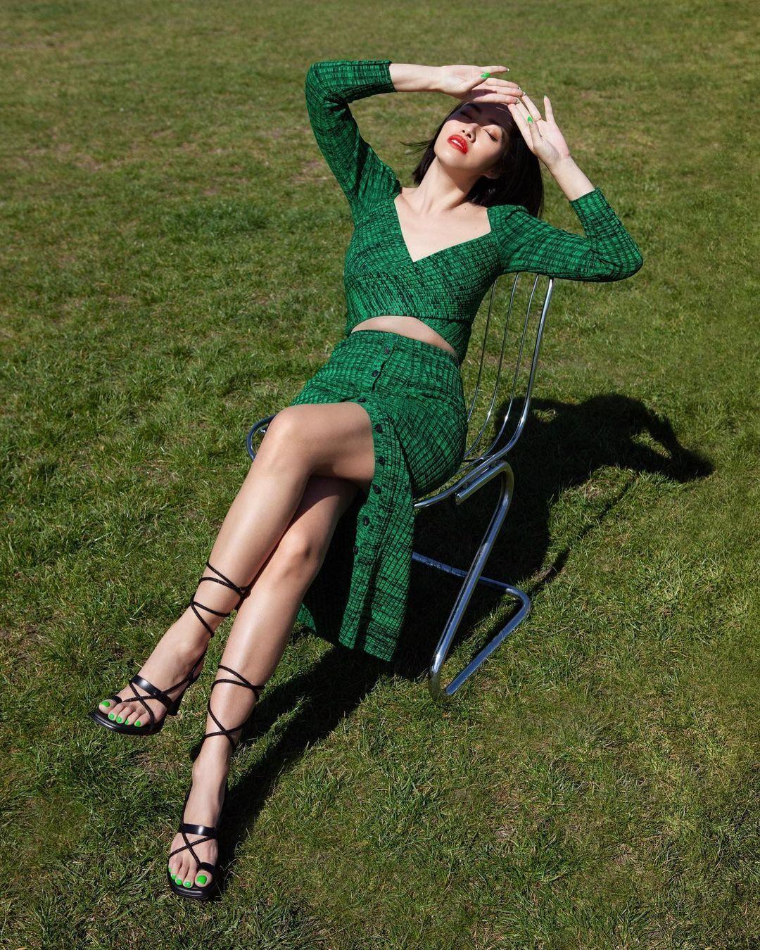 Модна сукня в зеленому кольорі