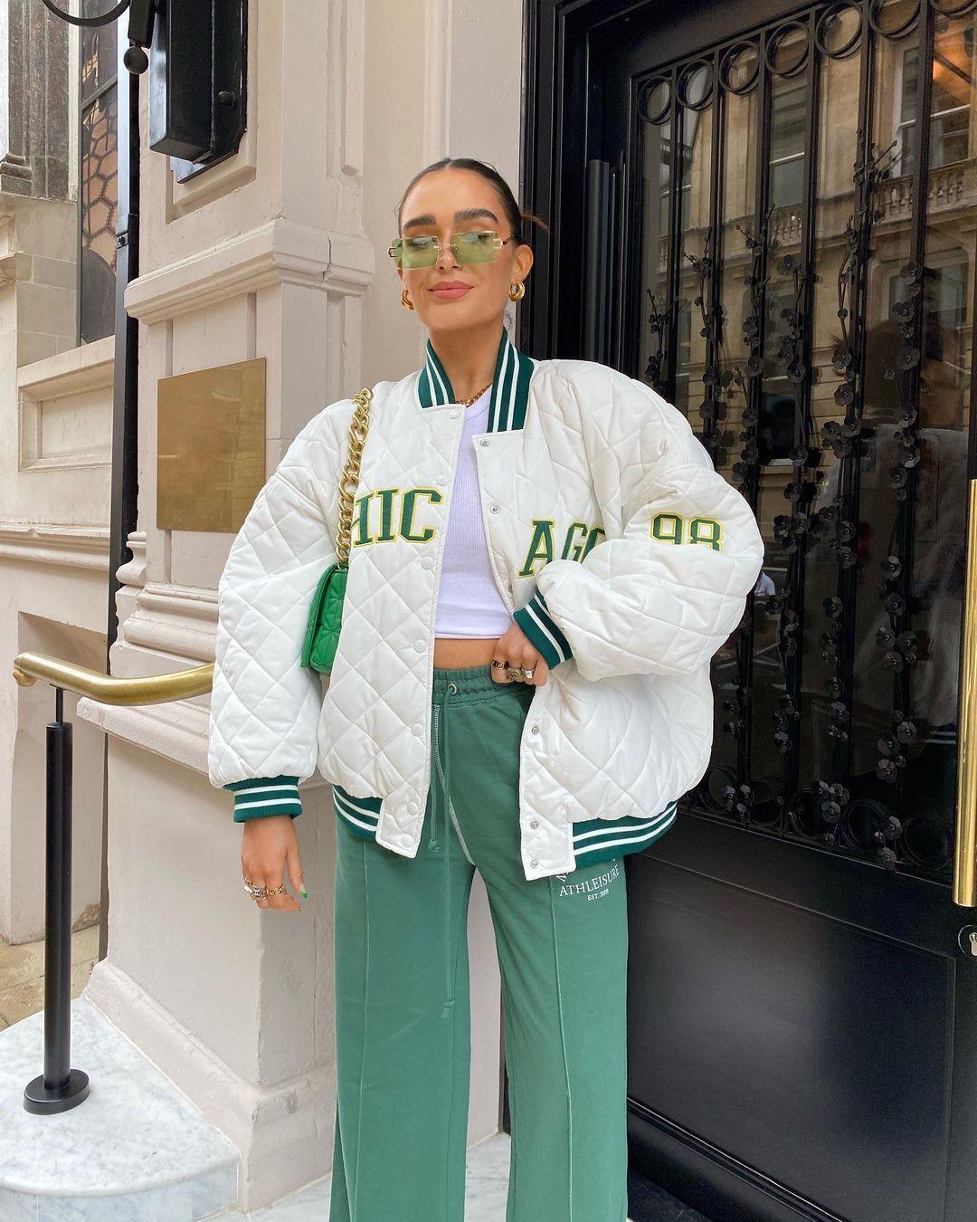 Трендове вбрання у зеленому кольорі