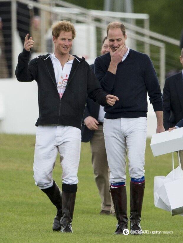 Принц Гарри и принц Уильям в сапогах Hunter.