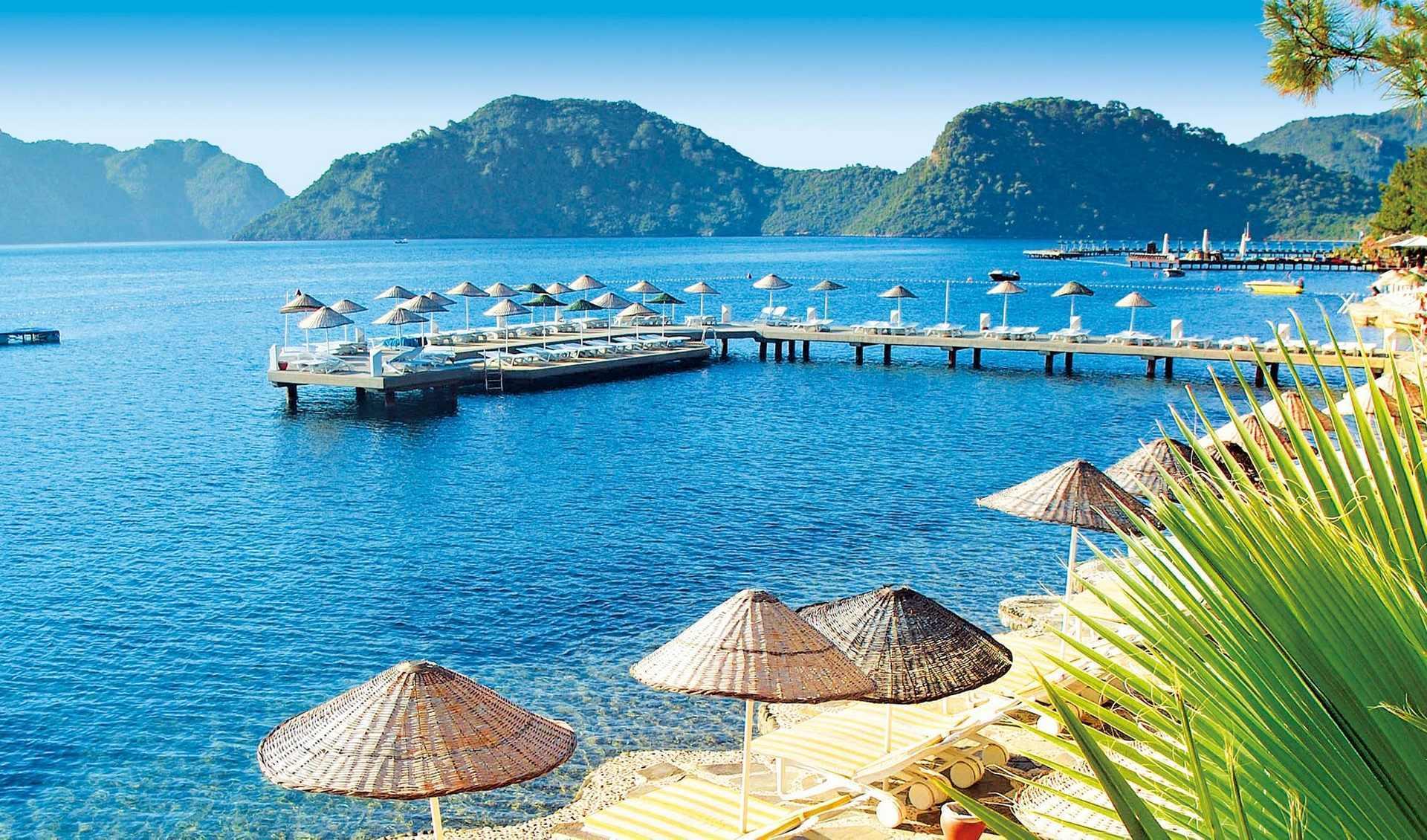 У Туреччині переважно приватні пляжі, які належать готелям.