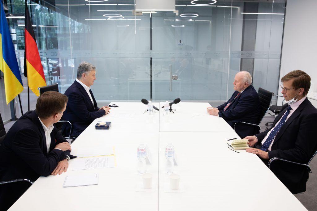 Петр Порошенко отметил важность необратимости реформы децентрализации в Украине