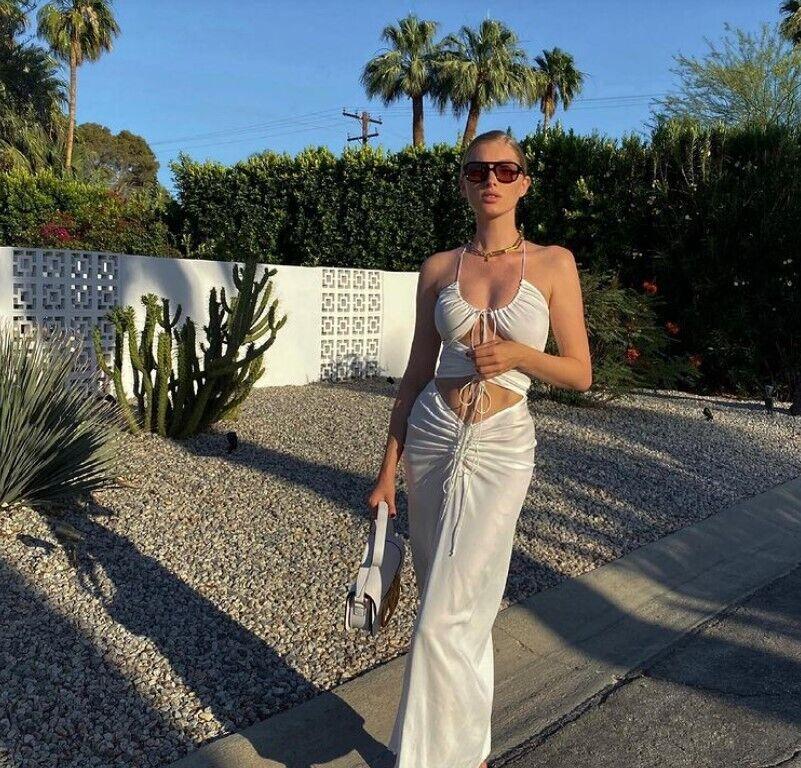 Сукні з ефектними вирізами в моді.