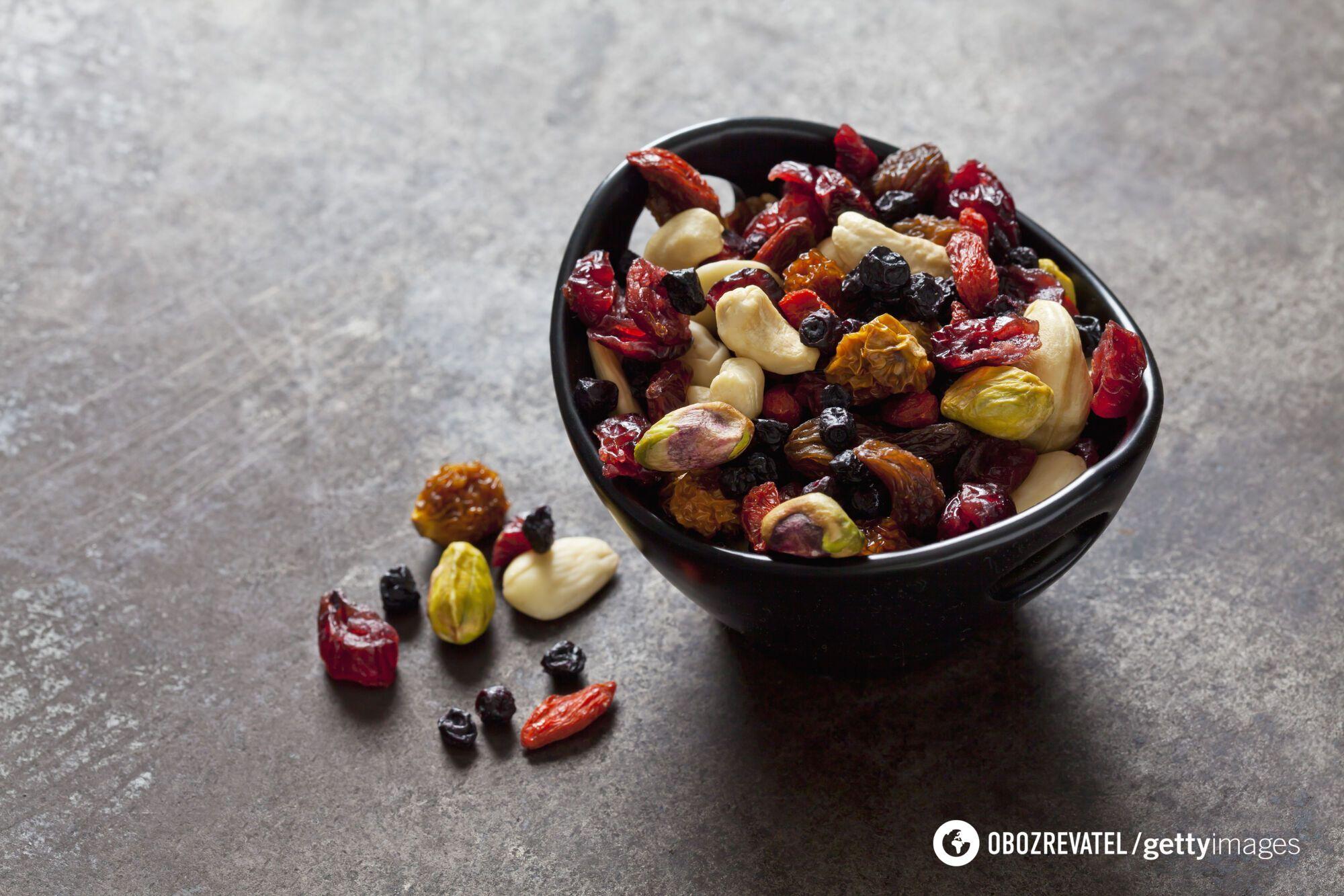 Домашние цукаты, сухофрукты и орехи