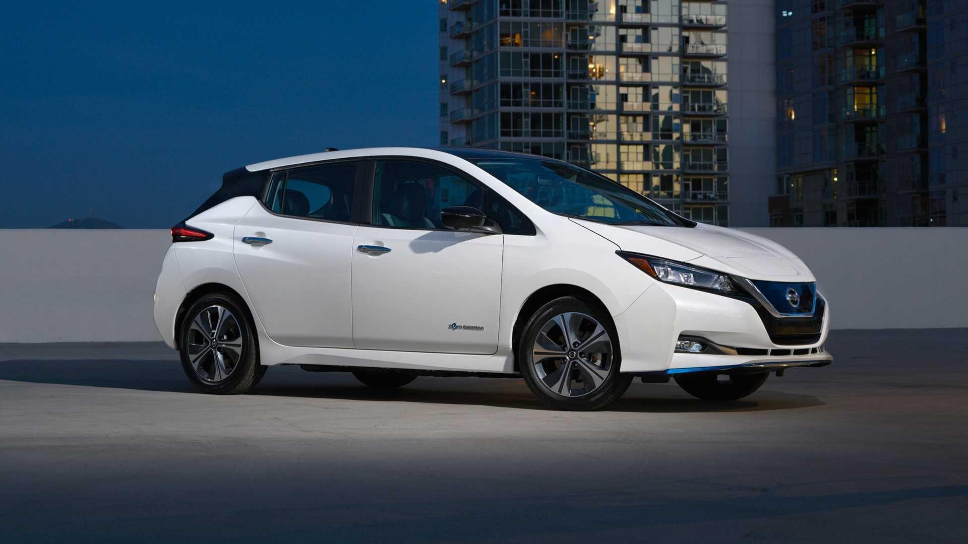 Nissan Leaf может проехать 241 км на одном заряде