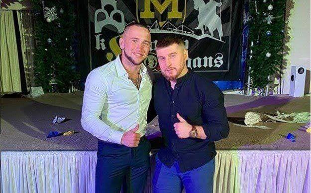 Артем Мошенский – справа
