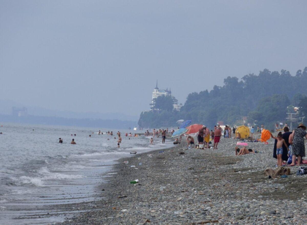 Пляж у Чакві не підійде для відпочинку з дітьми через постійні хвилі