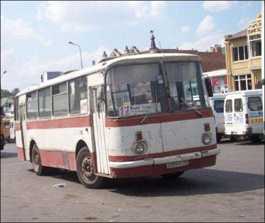 Радянський автобус влітку був нестерпний.